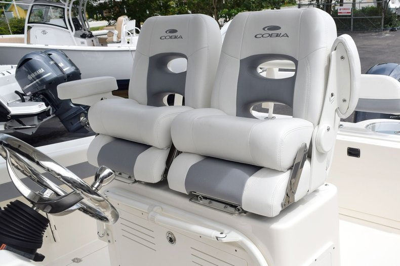 Thumbnail 43 for New 2019 Cobia 262 Center Console boat for sale in Fort Lauderdale, FL