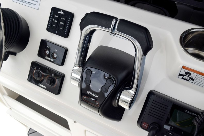 Thumbnail 40 for New 2019 Cobia 262 Center Console boat for sale in Fort Lauderdale, FL