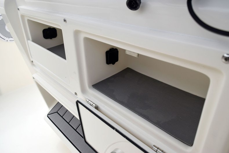 Thumbnail 87 for New 2019 Cobia 262 Center Console boat for sale in Fort Lauderdale, FL