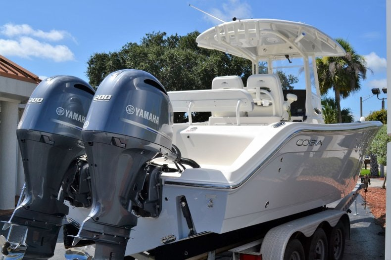 Thumbnail 4 for New 2020 Cobia 280 Center Console boat for sale in Vero Beach, FL