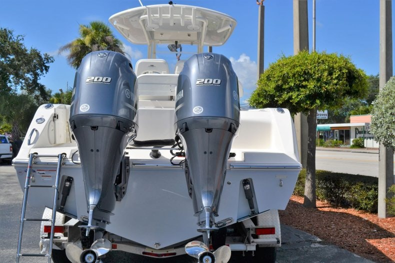 Thumbnail 5 for New 2020 Cobia 280 Center Console boat for sale in Vero Beach, FL