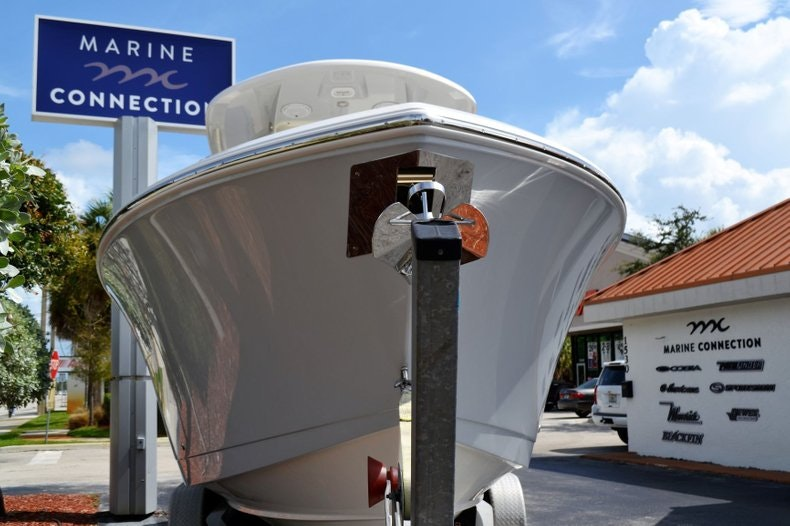 Thumbnail 2 for New 2020 Cobia 280 Center Console boat for sale in Vero Beach, FL