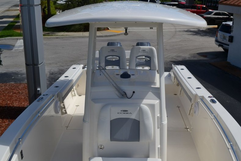 Thumbnail 16 for New 2020 Cobia 280 Center Console boat for sale in Vero Beach, FL