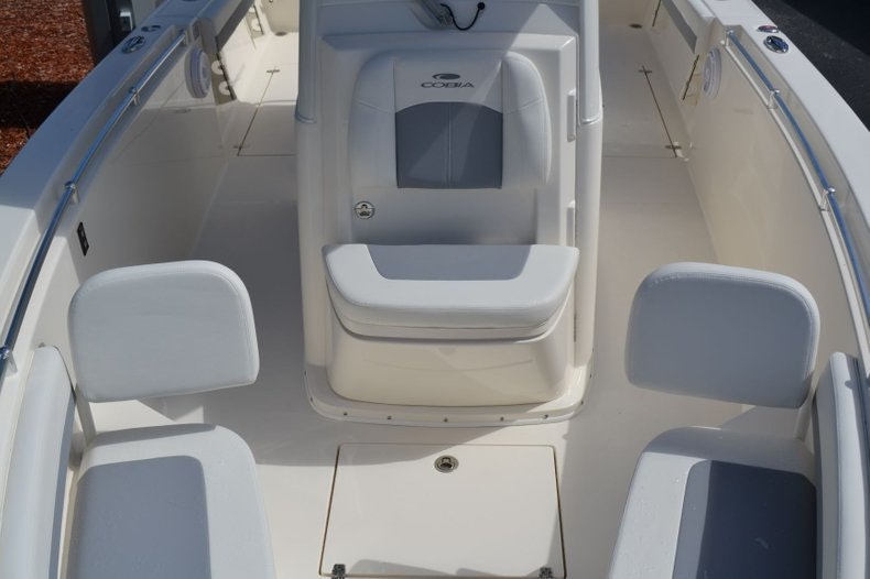 Thumbnail 15 for New 2020 Cobia 280 Center Console boat for sale in Vero Beach, FL