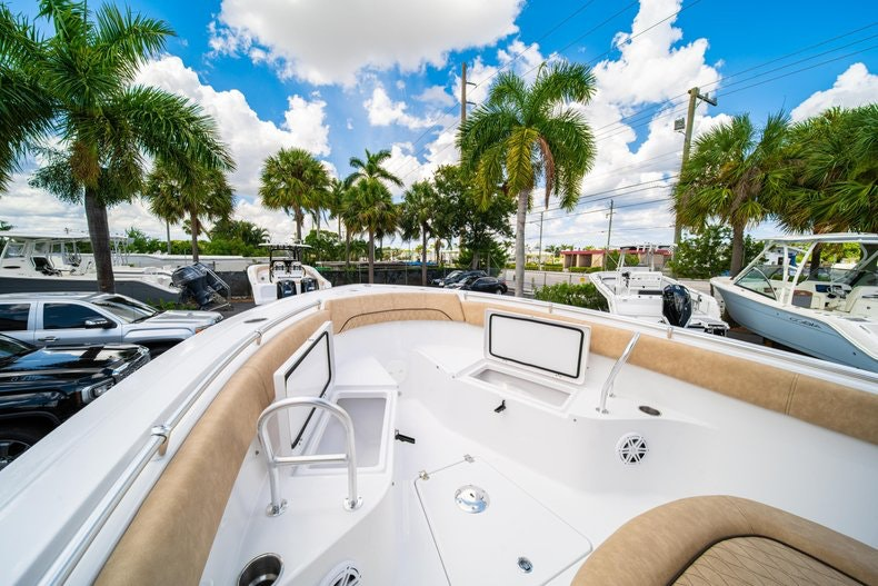 Thumbnail 42 for New 2020 Sportsman Open 252 Center Console boat for sale in Miami, FL