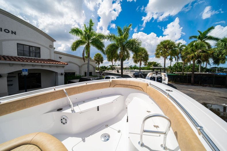 Thumbnail 38 for New 2020 Sportsman Open 252 Center Console boat for sale in Miami, FL