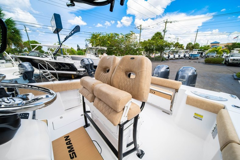Thumbnail 33 for New 2020 Sportsman Open 252 Center Console boat for sale in Miami, FL