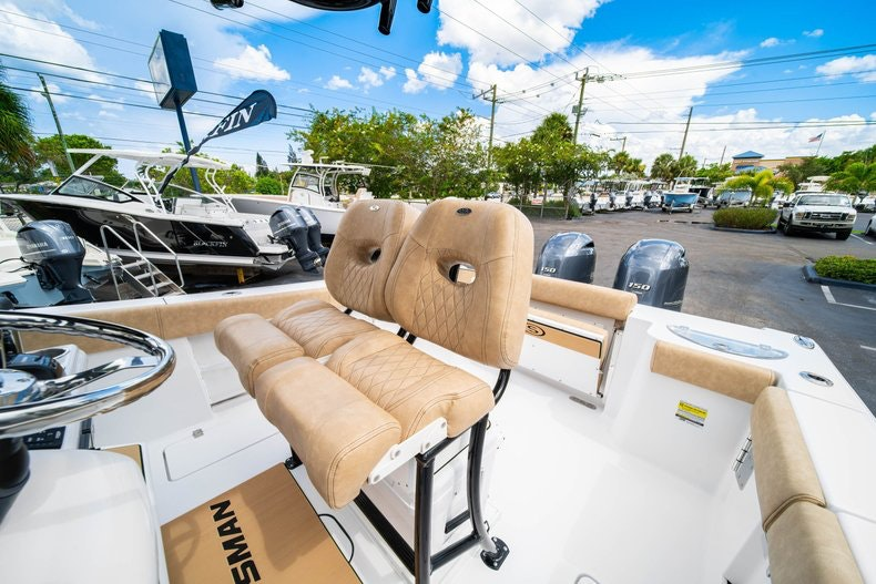 Thumbnail 34 for New 2020 Sportsman Open 252 Center Console boat for sale in Miami, FL