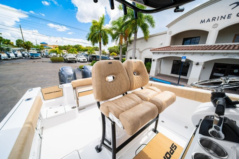 Thumbnail 32 for New 2020 Sportsman Open 252 Center Console boat for sale in Miami, FL