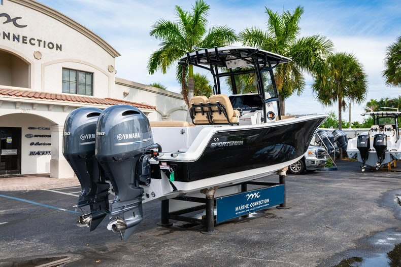 Thumbnail 7 for New 2020 Sportsman Open 252 Center Console boat for sale in Miami, FL