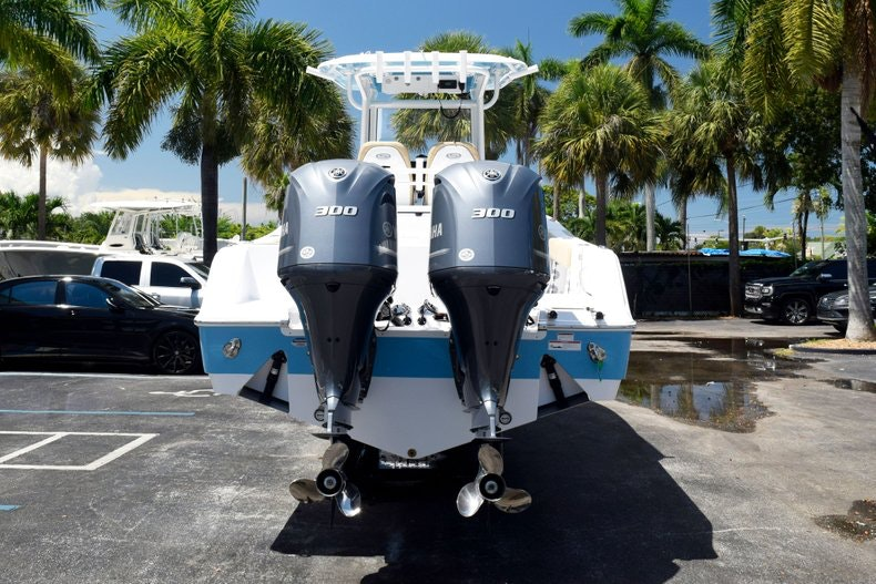 Thumbnail 6 for New 2020 Sportsman Open 282 Center Console boat for sale in Miami, FL
