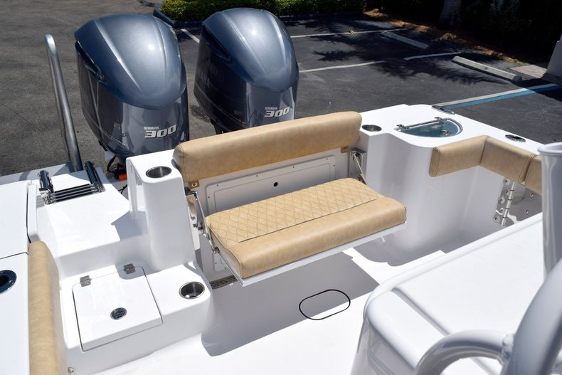 Thumbnail 10 for New 2020 Sportsman Open 282 Center Console boat for sale in Miami, FL