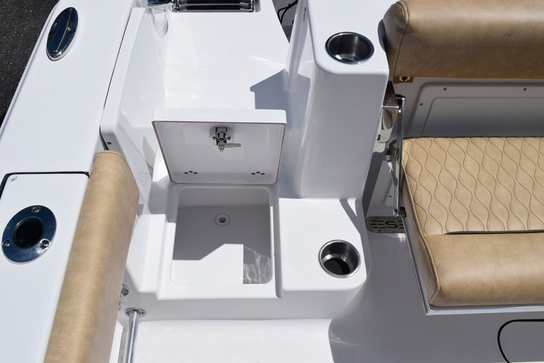 Thumbnail 9 for New 2020 Sportsman Open 282 Center Console boat for sale in Miami, FL
