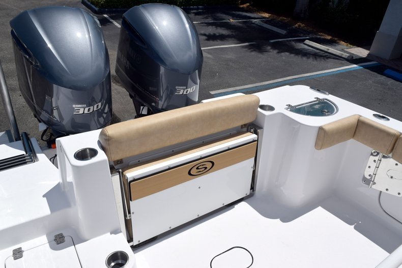 Thumbnail 11 for New 2020 Sportsman Open 282 Center Console boat for sale in Miami, FL