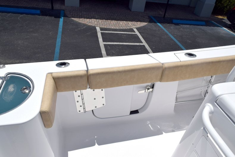 Thumbnail 14 for New 2020 Sportsman Open 282 Center Console boat for sale in Miami, FL