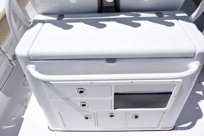 Thumbnail 19 for New 2020 Sportsman Open 282 Center Console boat for sale in Miami, FL
