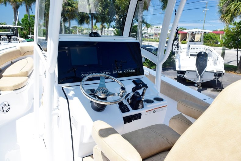 Thumbnail 25 for New 2020 Sportsman Open 282 Center Console boat for sale in Miami, FL