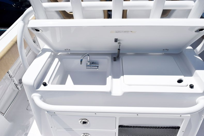 Thumbnail 20 for New 2020 Sportsman Open 282 Center Console boat for sale in Miami, FL