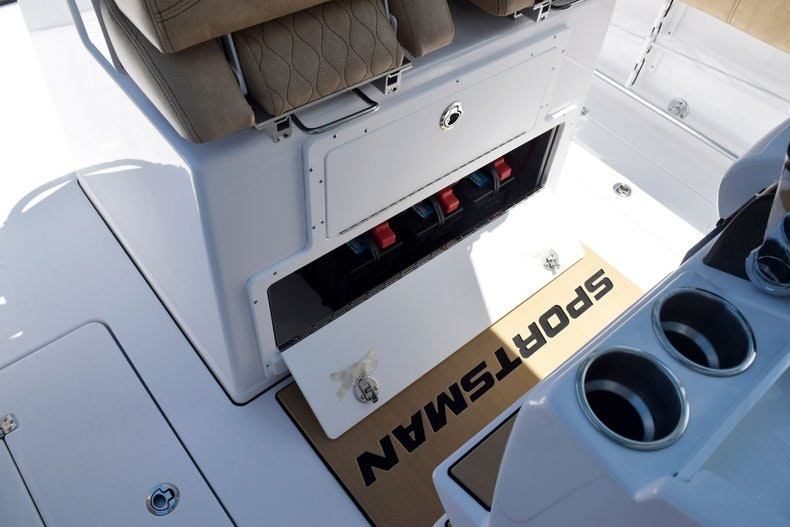 Thumbnail 36 for New 2020 Sportsman Open 282 Center Console boat for sale in Miami, FL
