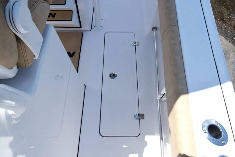 Thumbnail 40 for New 2020 Sportsman Open 282 Center Console boat for sale in Miami, FL