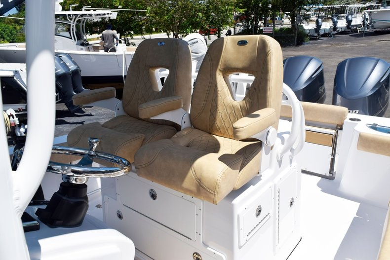 Thumbnail 42 for New 2020 Sportsman Open 282 Center Console boat for sale in Miami, FL