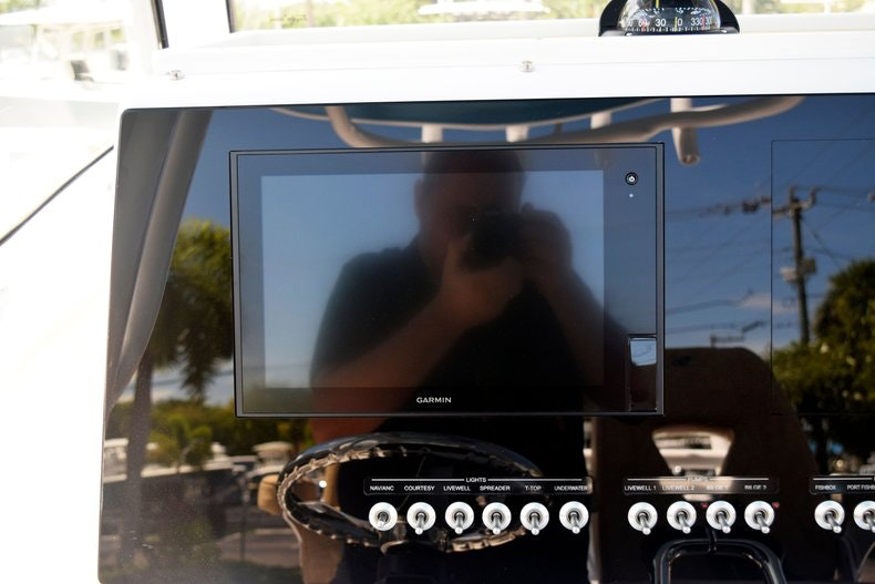 Thumbnail 52 for New 2020 Sportsman Open 282 Center Console boat for sale in Miami, FL