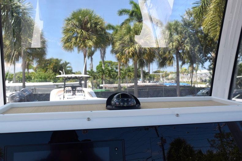 Thumbnail 53 for New 2020 Sportsman Open 282 Center Console boat for sale in Miami, FL