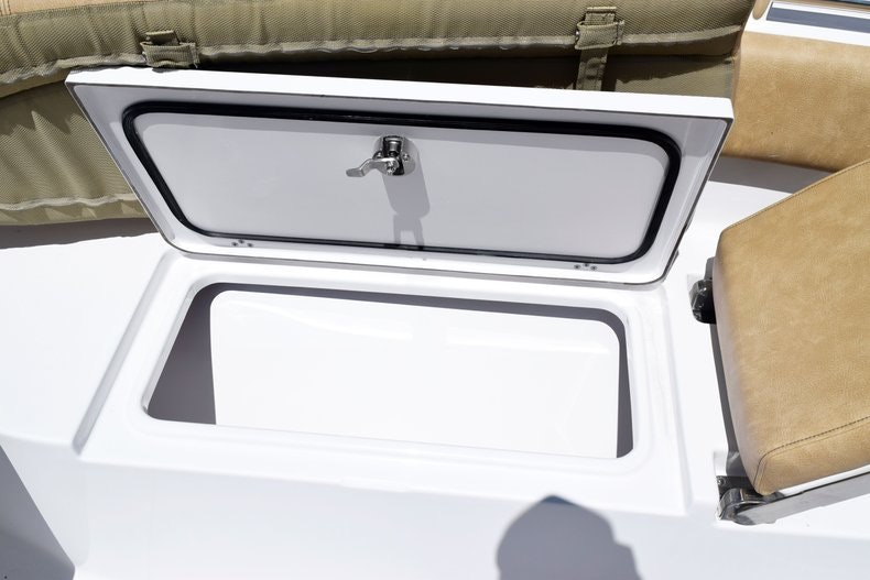 Thumbnail 72 for New 2020 Sportsman Open 282 Center Console boat for sale in Miami, FL