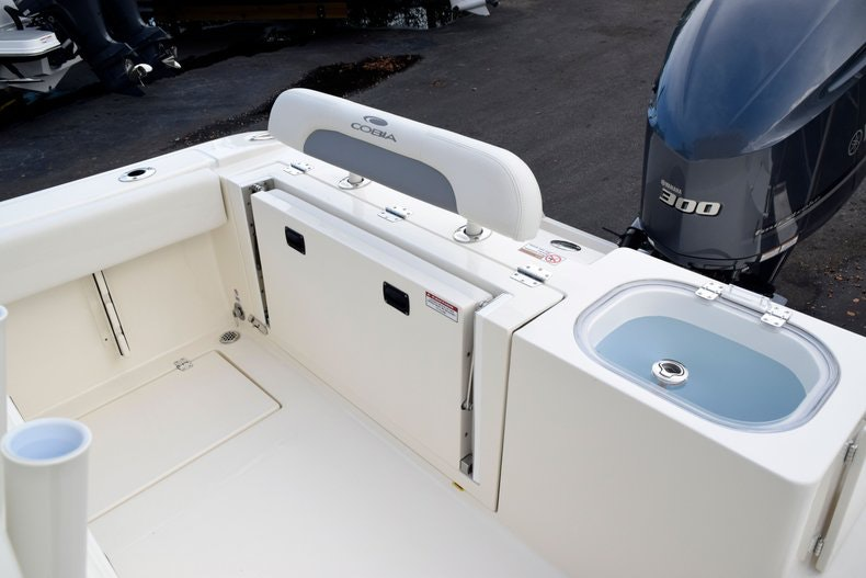 Thumbnail 12 for New 2020 Cobia 237 CC boat for sale in Fort Lauderdale, FL