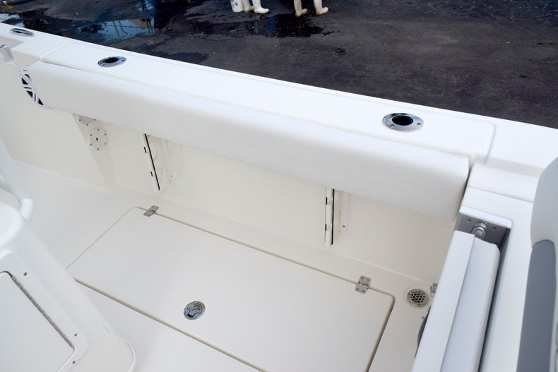 Thumbnail 25 for New 2020 Cobia 237 CC boat for sale in Fort Lauderdale, FL