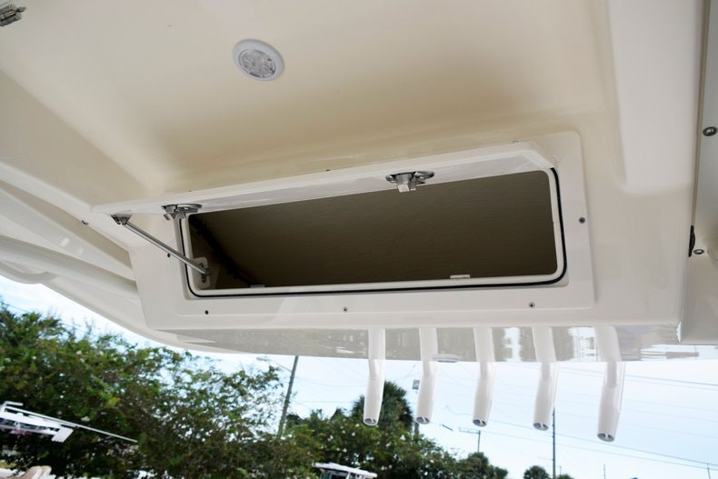 Thumbnail 49 for New 2020 Cobia 237 CC boat for sale in Fort Lauderdale, FL