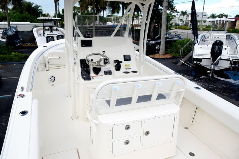 Thumbnail 10 for New 2020 Cobia 237 CC boat for sale in Fort Lauderdale, FL