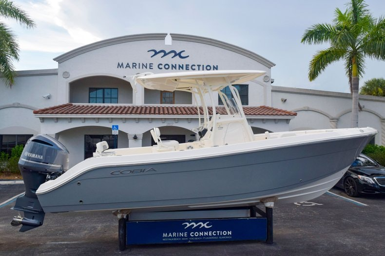 Thumbnail 4 for New 2020 Cobia 237 CC boat for sale in Fort Lauderdale, FL