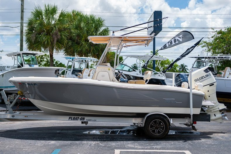 Thumbnail 4 for Used 2017 Pioneer 202 boat for sale in West Palm Beach, FL