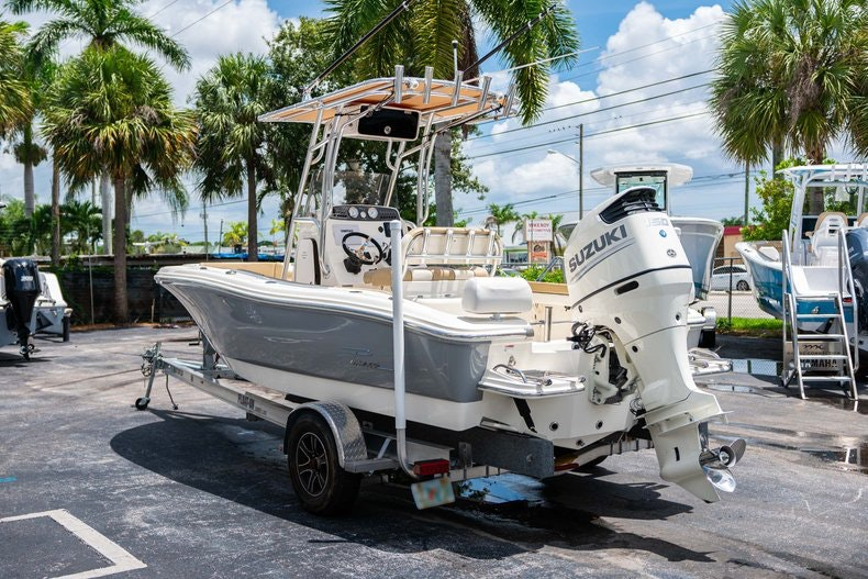 Thumbnail 5 for Used 2017 Pioneer 202 boat for sale in West Palm Beach, FL