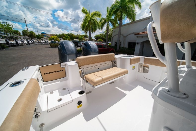 Thumbnail 15 for New 2020 Sportsman Open 252 Center Console boat for sale in Vero Beach, FL