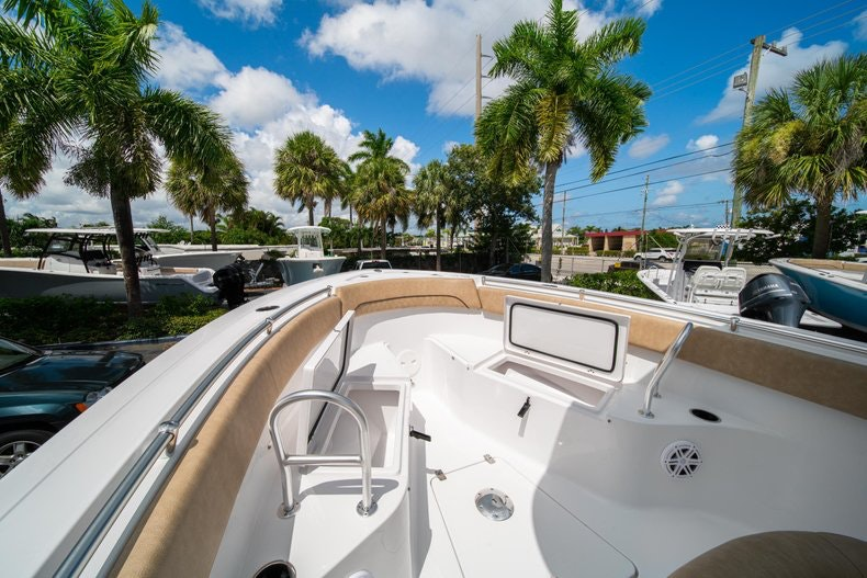 Thumbnail 42 for New 2020 Sportsman Open 252 Center Console boat for sale in Vero Beach, FL