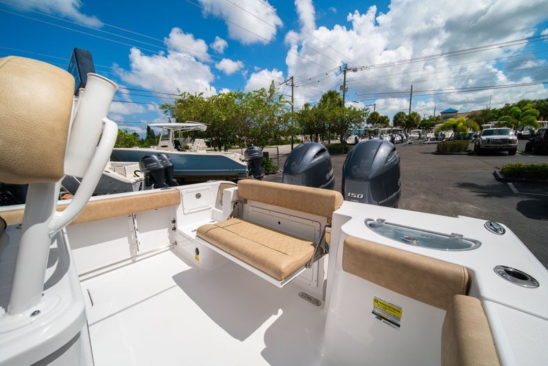 Thumbnail 10 for New 2020 Sportsman Open 252 Center Console boat for sale in Vero Beach, FL