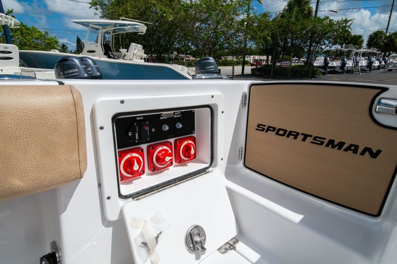 Thumbnail 19 for New 2020 Sportsman Open 252 Center Console boat for sale in Vero Beach, FL