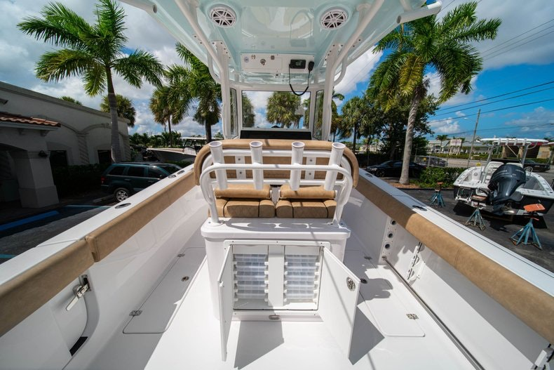 Thumbnail 21 for New 2020 Sportsman Open 252 Center Console boat for sale in Vero Beach, FL