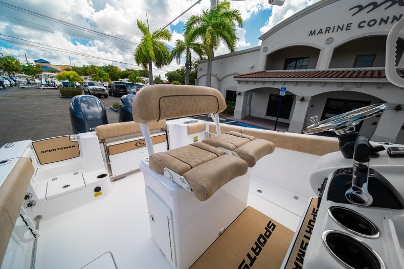Thumbnail 27 for New 2020 Sportsman Open 252 Center Console boat for sale in Vero Beach, FL