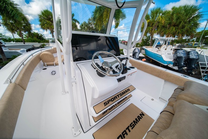 Thumbnail 35 for New 2020 Sportsman Open 252 Center Console boat for sale in Vero Beach, FL