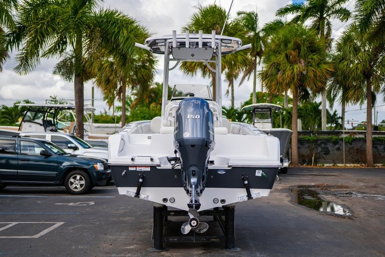 Thumbnail 6 for New 2020 Sportsman Open 212 Center Console boat for sale in West Palm Beach, FL