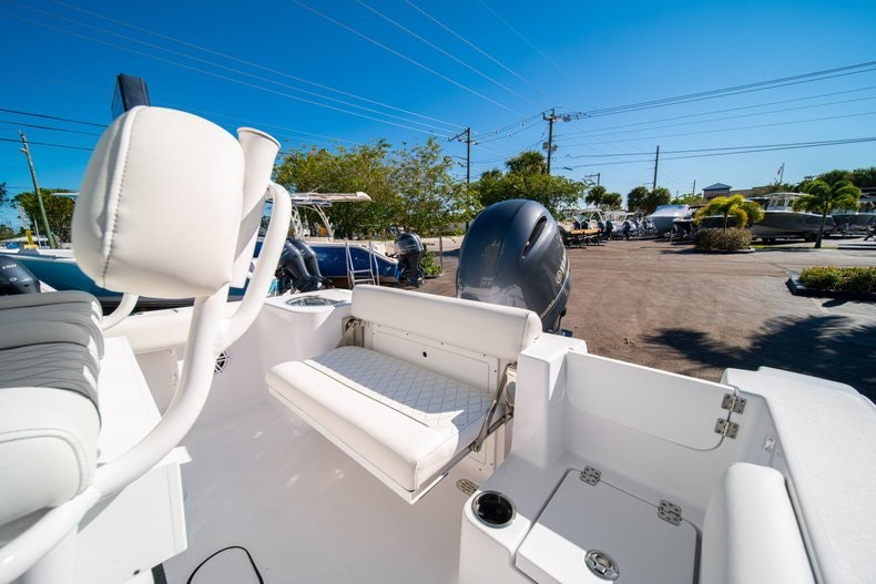 Thumbnail 14 for New 2020 Sportsman Open 212 Center Console boat for sale in West Palm Beach, FL
