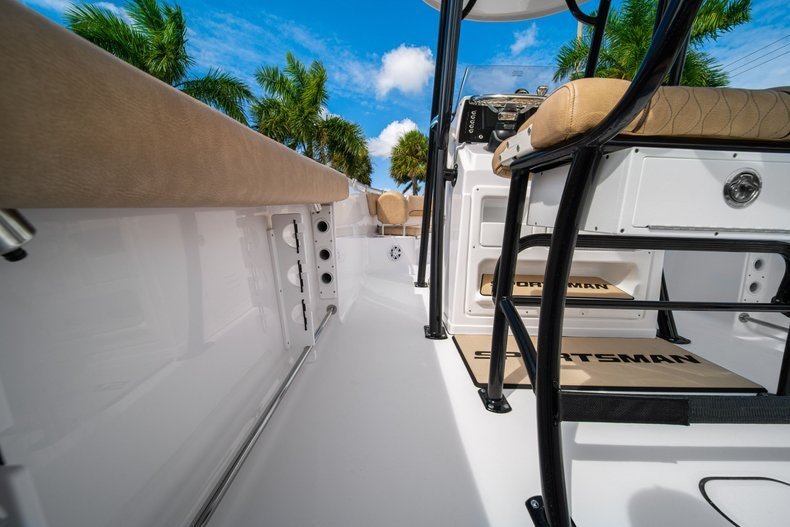 Thumbnail 18 for New 2020 Sportsman Heritage 231 Center Console boat for sale in West Palm Beach, FL