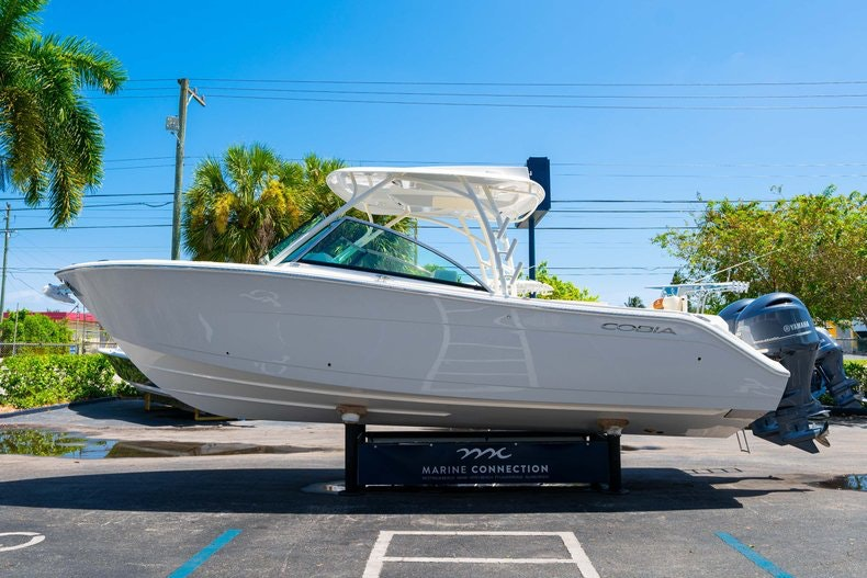 Thumbnail 4 for New 2020 Cobia 280 DC boat for sale in Vero Beach, FL