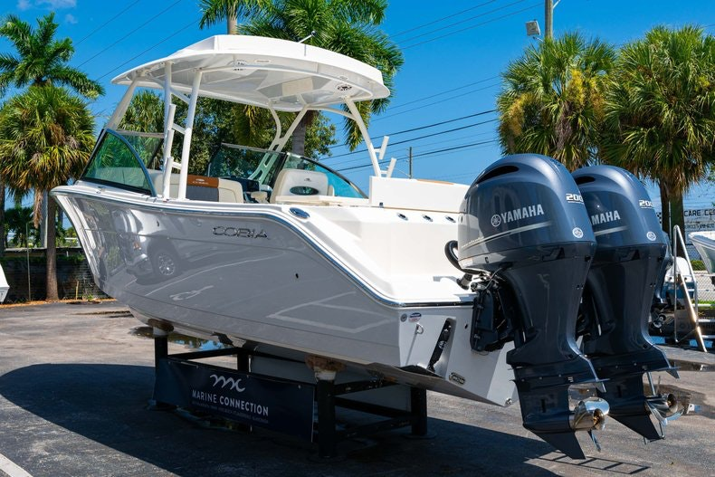 Thumbnail 5 for New 2020 Cobia 280 DC boat for sale in Vero Beach, FL
