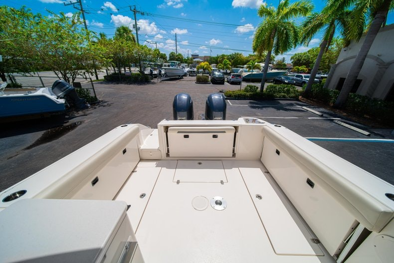 Thumbnail 9 for New 2020 Cobia 280 DC boat for sale in West Palm Beach, FL