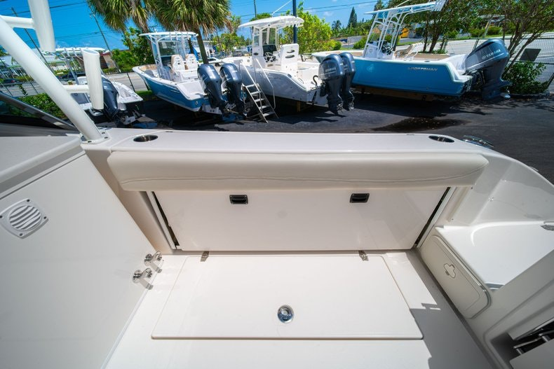 Thumbnail 12 for New 2020 Cobia 280 DC boat for sale in West Palm Beach, FL