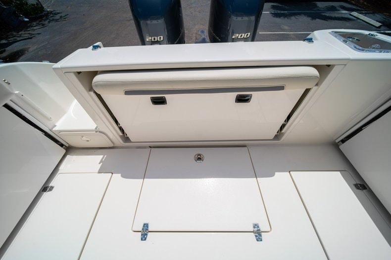 Thumbnail 16 for New 2020 Cobia 280 DC boat for sale in Vero Beach, FL